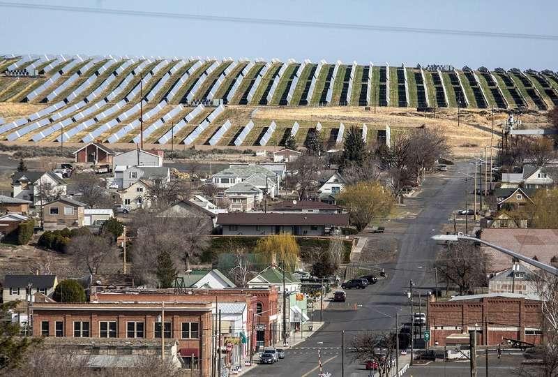 Town of Lind with Industrial Solar next door.